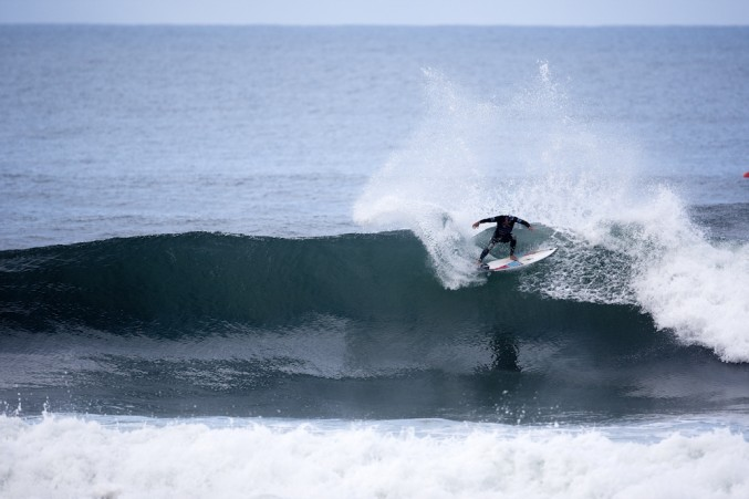In-the-pocket carve from Adriano de Souza. Photo: Ed Sloane